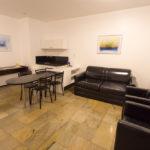 Sala com minicozinha luxo - ft2