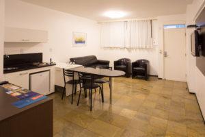 Sala com minicozinha luxo - ft3
