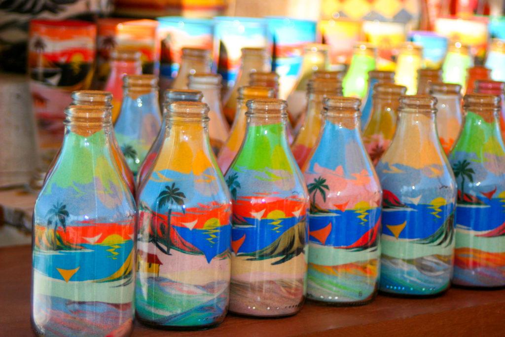 Feirinha da Beira Mar - Garrafas Coloridas