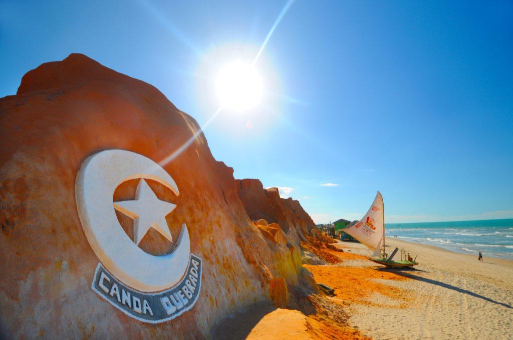 Conheça os encantos de Canoa Quebrada